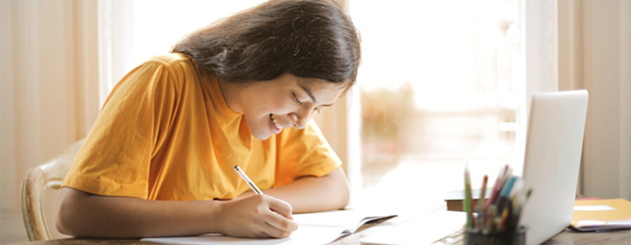 Save your money at studies by choosing the distance education